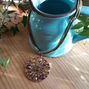 Jewelry - Gorgeous Medallion Necklace